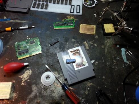 Alguns chips que serviram de teste antes do produto final