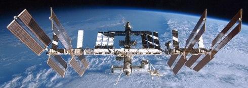 Eu sou cagão demais pra encarar a subida tensa no ônibus espacial, mas adoraria ter a vista tipo desse ângulo