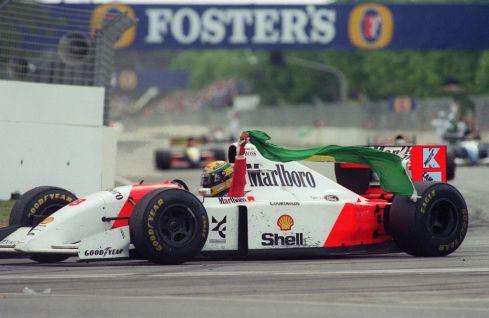 Não é do jogo essa foto, mas o Senna estará lá